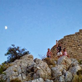 kids Greece acrocorinth