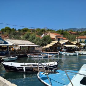 trizonia island kids excursions