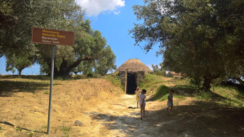 peloponnese kids Greece nestor palace tomb