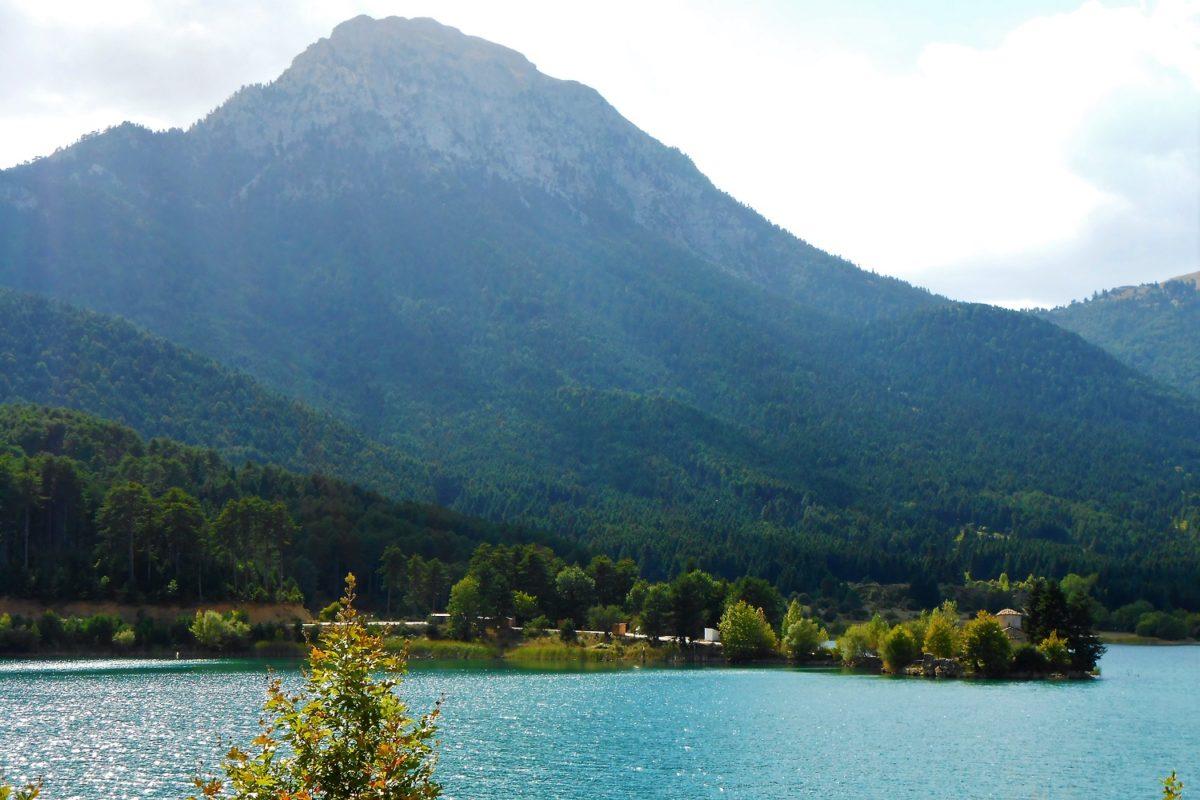 doxa lake peloponnese church