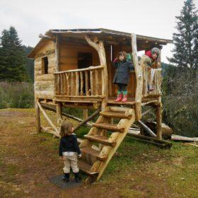 elati kids wooden house