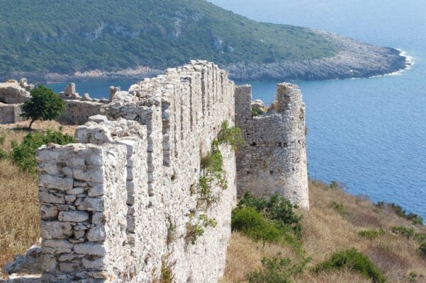 castle navarino beach greece