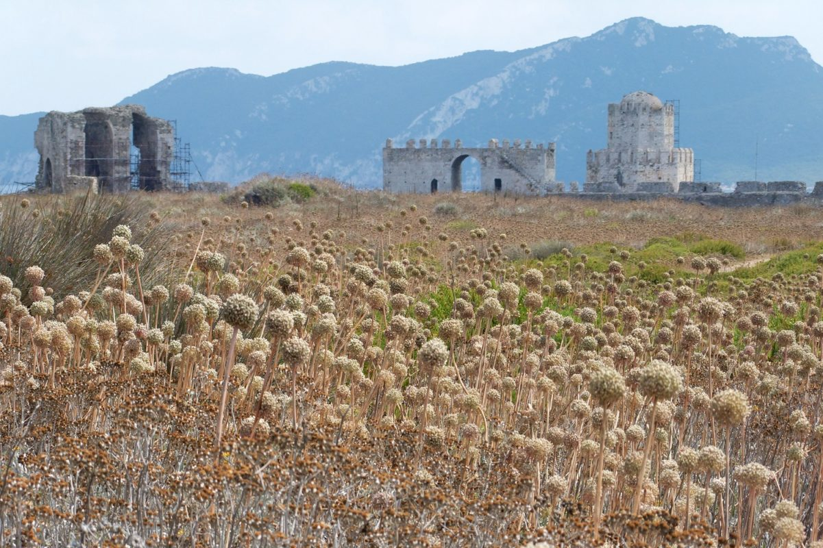 methoni castle peloponnese