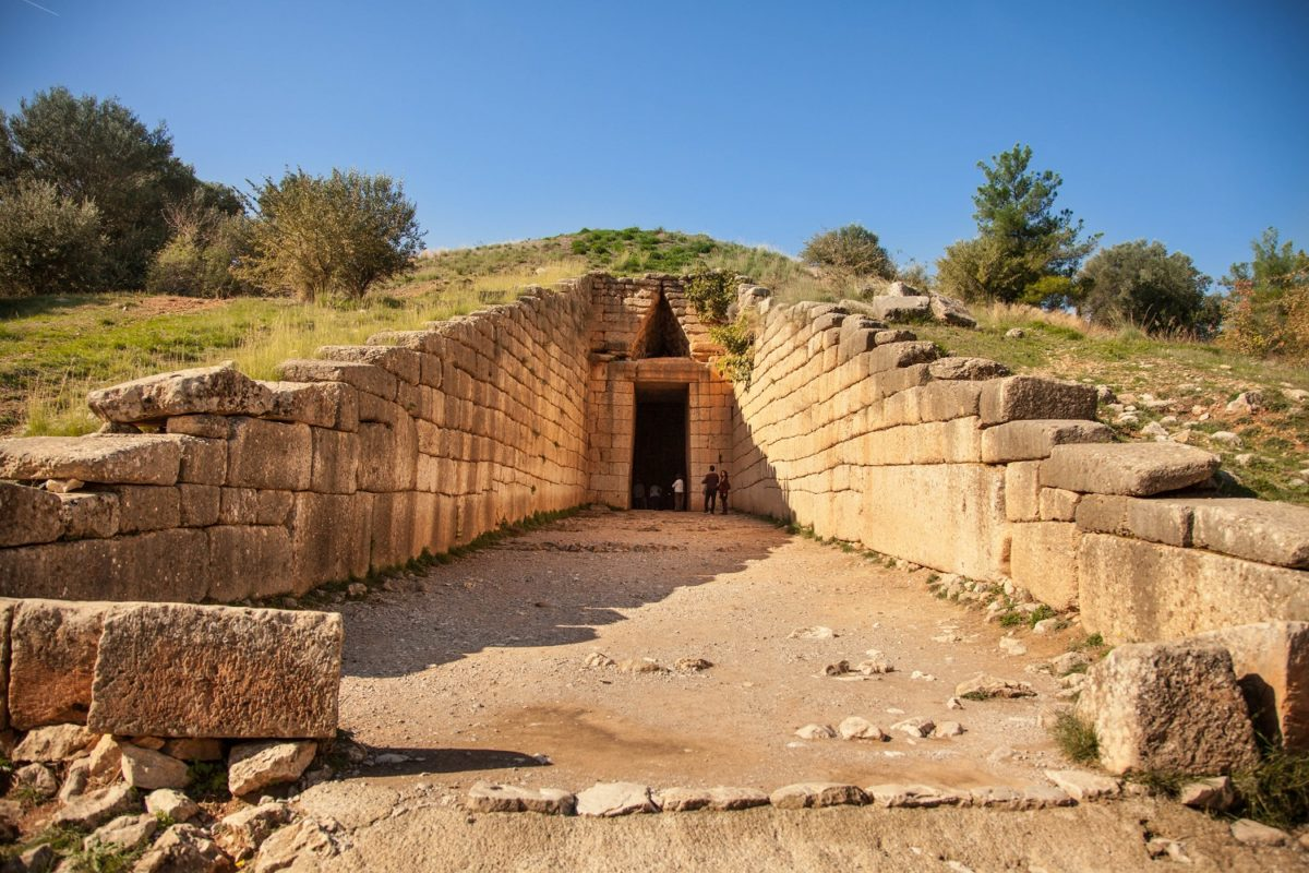 mycenae tomb treasure of atreus peloponese