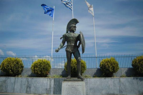 sparta leonidas statue peloponnese