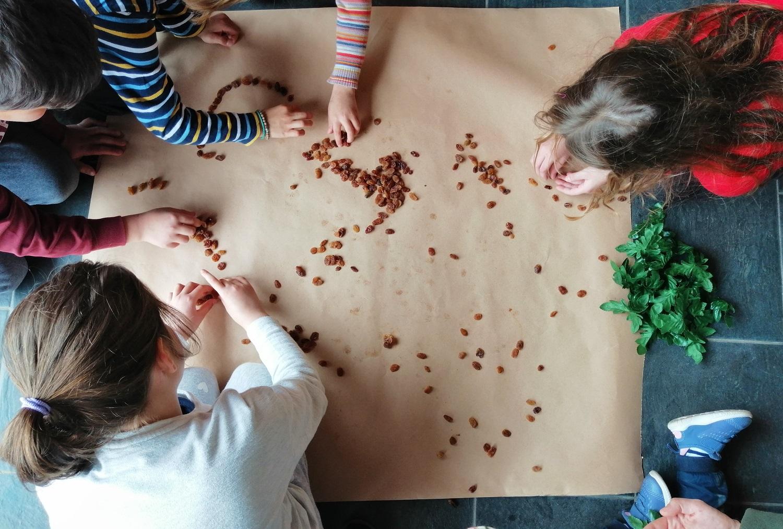 grapes raisins kids peloponnese