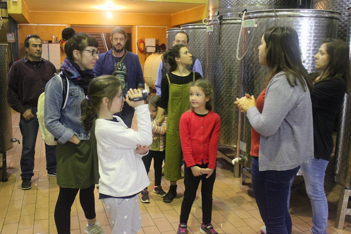 winery family kids peloponnese