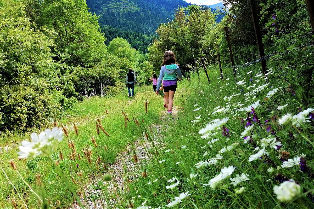 hiking with kids karpenisi