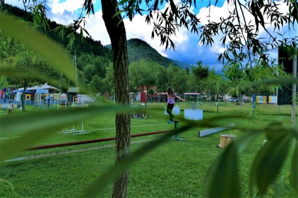 science park kids greece newton slackline