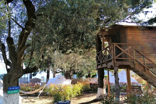 treehouse glamping greece