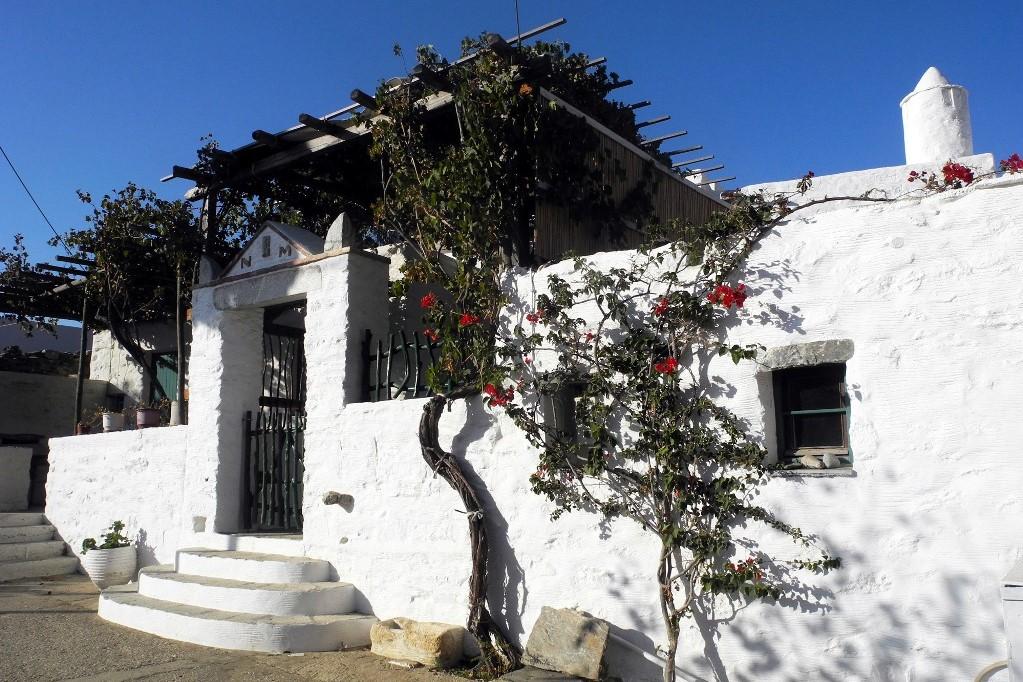 hiking amorgos greek islands