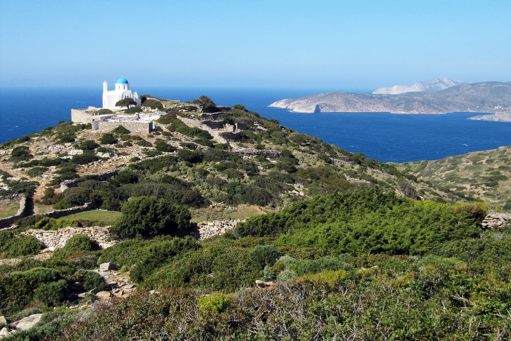 hiking amorgos greek islands