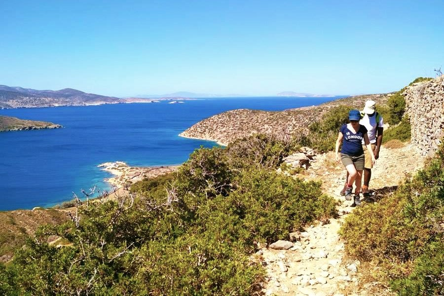 hiking amorgos kids