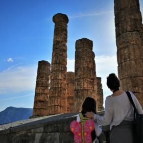 delphi with kids tour
