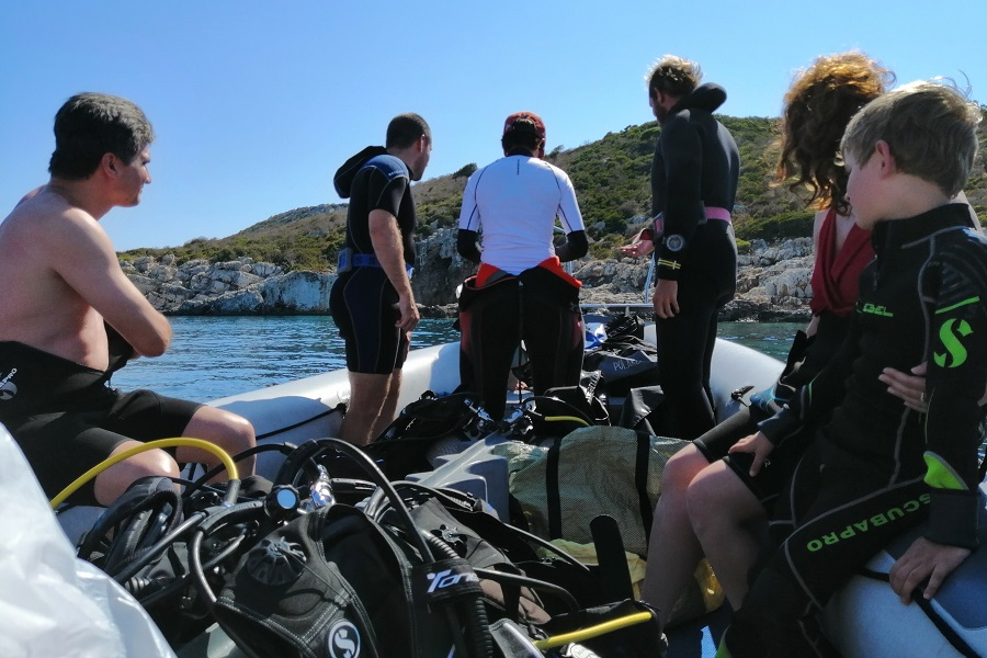 peloponnese diving with kids