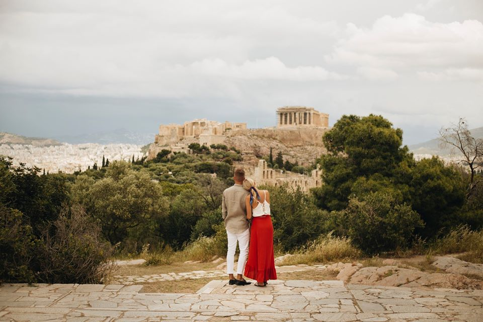 couples athens acropolis