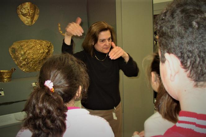 dimitra kokkevi deaf tourist guide greece