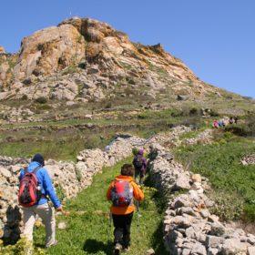 tinos hiking exomvourgo family