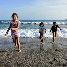 mavrovouni beach gythio kids