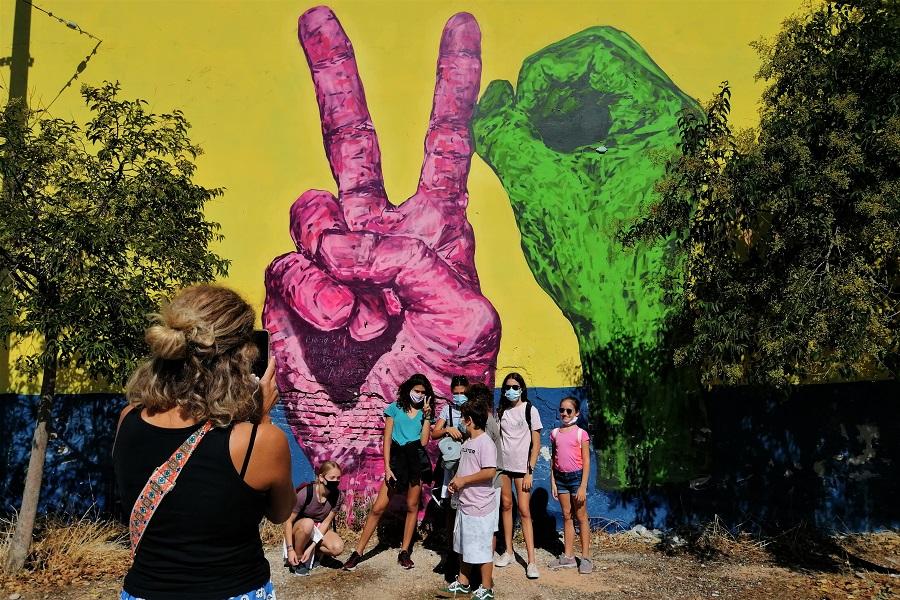 graffiti tour athens kids