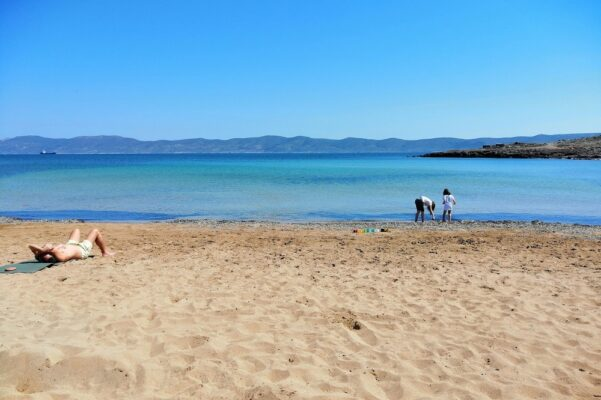 beach sounio athens kids